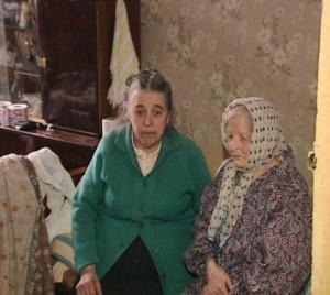 Nina Vasilievna ve Anna Matveevna - Elli yıldan uzun süredir komşu odalarda birlikte yaşıyorlar