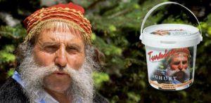 İçi İsveçli, dışı Yunanlı, kendisi Türk :)