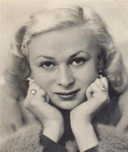 Valentina Serova